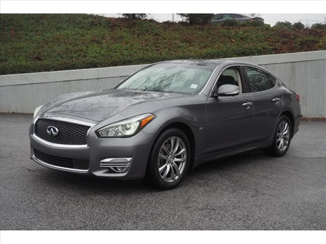 Pre-Owned 2019 INFINITI Q70 3.7 LUXE